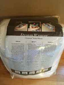 DreamWeaver Full Body Pregnancy Pillow Moose Jaw Regina Area image 3