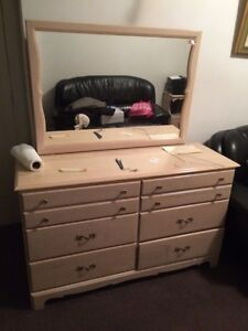 5 piece wooden bedroom set