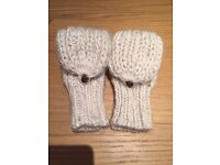 White knitted gloves - size S