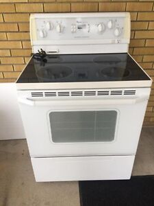 Whirlpool stove in good condition