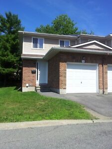 Upscale 3 bedroom condo-WEST End-Rent further reduced