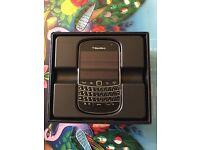 Blackberry 9900 LIKE NEW!!