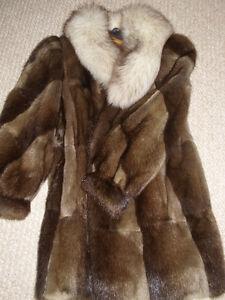 MUSKRAT/FOX COLLAR SHORT COAT