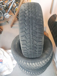 Set of 4 Tires - Motor Master - 225/60R16 - Winter Tires