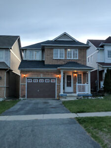 4-Brdm Family Home in Oshawa, Clean and Spacious, with lake view