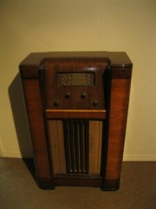 Stewart Warner Antique Radio