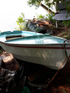 CL 11 with all sailing equipment and oars included, $650