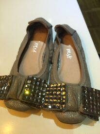 Girls shoes Next size 10