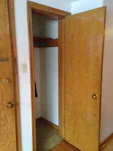 Bachelor Apartment available in Old Lakeview Regina Regina Area image 2