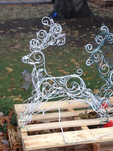 Wanted - outdoor lighted reindeer or trees