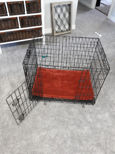 Dog Crate with red bedding (30x21x24)