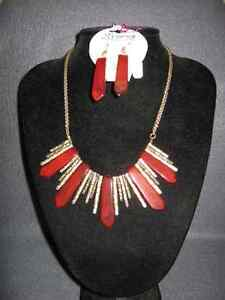Collectible Antique Beautiful Necklace and Earring Set London Ontario image 2