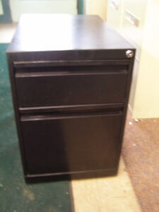 ASSORTMENT OF 2 DRAWER FILE CABINETS