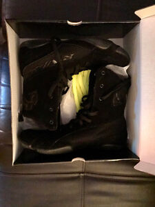 Brand new Rival Boxing Shoes Size 10