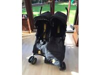 Mommas and Poppas Twin Voyage Pushchair