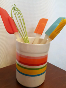 Adorable spatula, whisk, pastry brush set