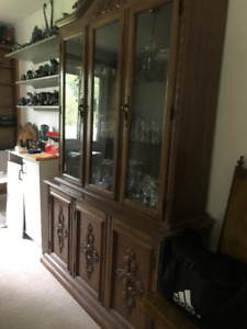 Dining room hutch and table/chairs