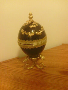 Decorative Russian Fabergé Egg Mimic