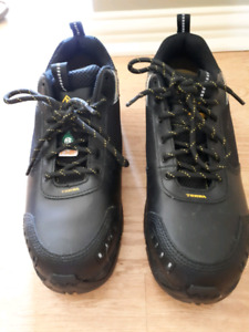 Men's Size 10 W Terra Work Shoes