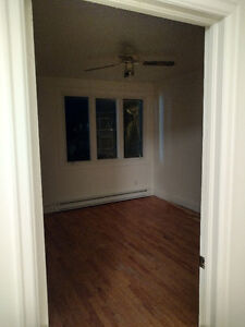 Offering 2 bedrooms apartment at a walking distance from Ottawa Gatineau Ottawa / Gatineau Area image 5
