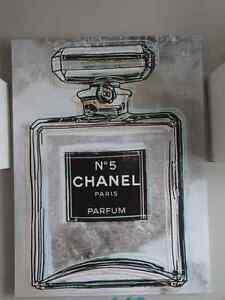 Toile environ 24 p X 40 p- Chanel