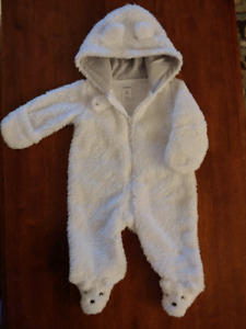 Carters Hooded Bunting - size 3 months