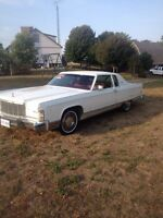 1975 Lincoln Continental town coupe