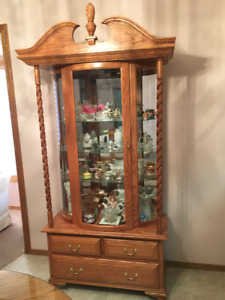 Lighted Oak China Cabinet - Perfect condition