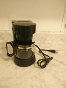 Andis commercial 4 cup coffee maker  BRAND NEW, NEVER USED