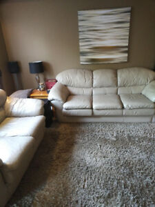 Leather Palliser - 3pc. Couch + Loveseat + Area Rug. Lite Tan