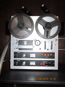 Roberts 1725-8L lll Reel to Reel Player and Recorder