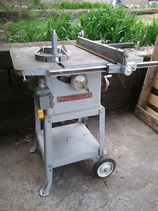 "Older solid table saw 7 1/4"" blade"