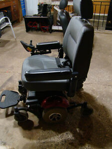 MERITS Power Wheelchair P326A Mid-Wheel Drive Moose Jaw Regina Area image 4