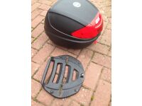 Givi top box with plate