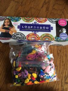 Loopdedoo with Loom and thread