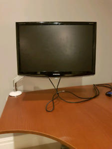 24 inch Samsung Monitor with Commercial Desk Arm