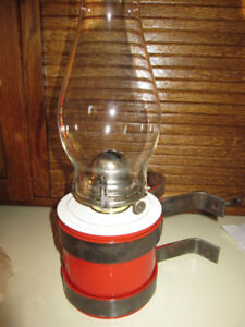 ANTIQUE C.N.R. RAILROAD WALL MOUNT OIL LAMP COMPLETE