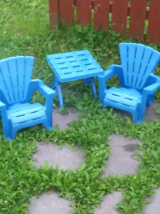 Kids outdoor seating