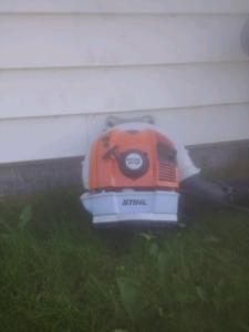STIHL BR700 leaf blower