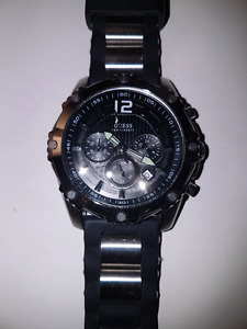 Mens guess watch.