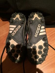 Junior Adidas soccer/football cleats/shoes for children West Island Greater Montréal image 2