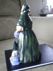 "Royal Doulton Figurine - "" Christmas Parcels "" HN 2851 Kitchener / Waterloo Kitchener Area image 8"