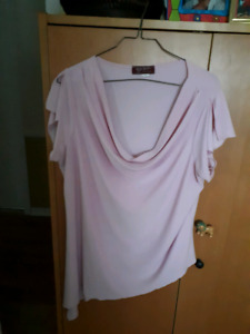 1x. $6.00 soft pink asymmetrical hem top