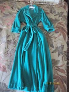 Collections by CONRAD Ladies Housecoat size M