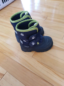 Toddler winter boots size 7