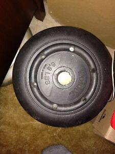 Over 300 lbs of weights (25, 10, 5, 2 1/2lbs) plus a bar $90 Kitchener / Waterloo Kitchener Area image 4