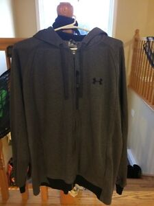 Mens Under Armour sweater hoodie sz L