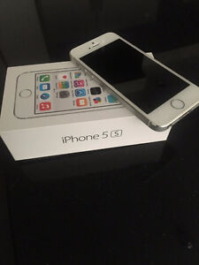 iPhone 5S on Bell network in immaculate condition
