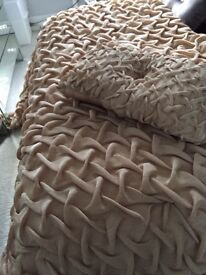 Double Bedspread and matching cushion