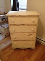 Commode style antique 4 tiroirs